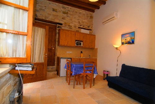 Skarinou Traditional Houses Anesi House one bedroom kitchen