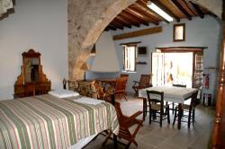 Skarinou Traditional Houses Kosmas Living Area