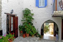 Skarinou Traditional Houses Kosmas Main Entrance