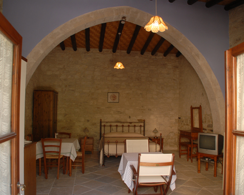 Skarinou Traditional Houses Living and Dinning