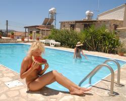 Skarinou Traditional Houses Swimming Pool