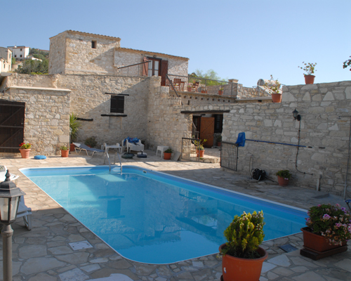 Skarinou Traditional Houses Pool View