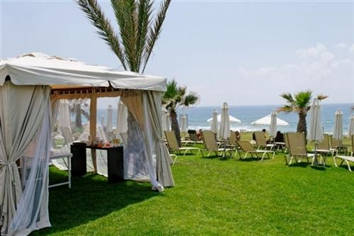 Capital Coast Resort and Spa Hotel Gazebo