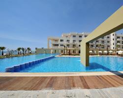 Capital Coast Resort and Spa Pool1