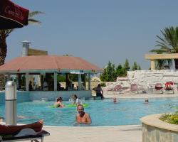Crown Resort Horizon Pool Bar