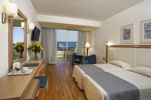 Golden Coast Hotel Superior Room