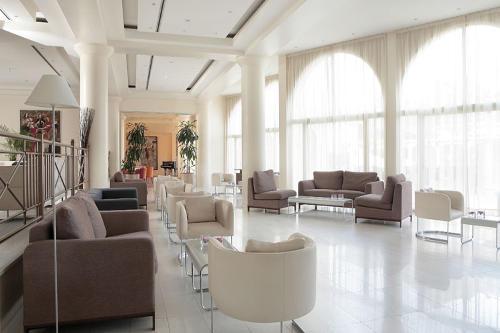 Golden Coast Hotel Lobby