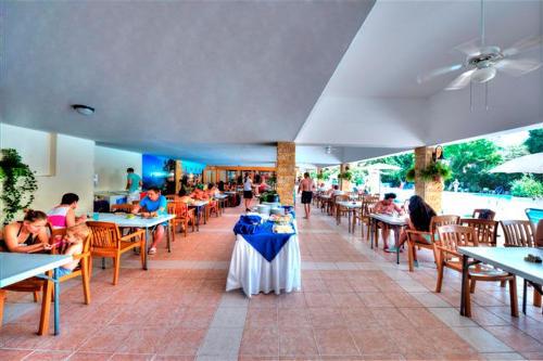 Avlida Hotel Dining