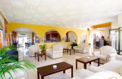 Cosmelenia Apartments Lobby