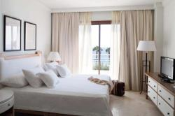 Annabelle Alecos Penthouse bedroom