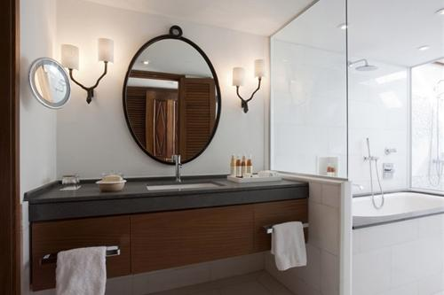 Annabelle Artemis Suite Bathroom