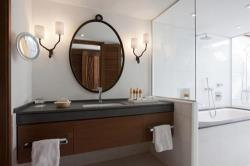 Annabelle Artemis Suite Bathroom