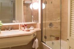 Annabelle Deluxe Sea Facing Bathroom
