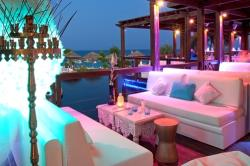 Capo Bay Hotel Koi Bar 7