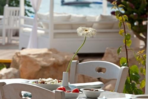 Capo Bay Hotel Mama's Restaurant 2
