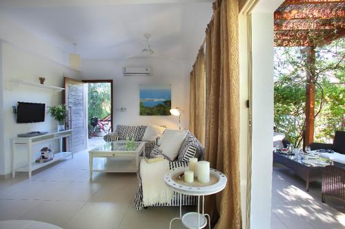Artisan Resort House 14 Living Room