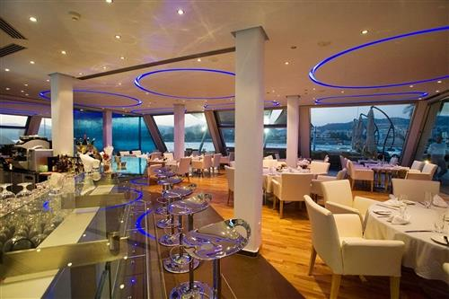 St. Raphael Resort Sailor's Rest Interior