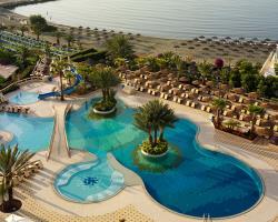 Four Seasons Hotel Main Pool And Beach