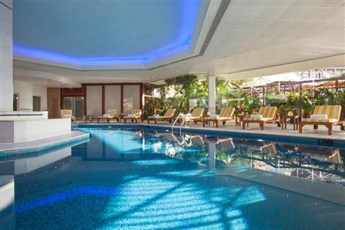 Four Seasons Hotel Indoor swimming Pool