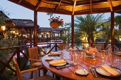 Four Seasons Hotel Cafe Tropical Outdoors