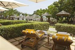 Four Seasons Hotel Private Sundbeds
